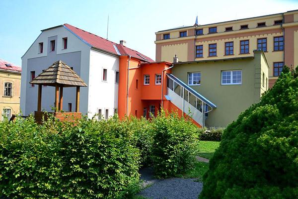 Budova Školní 8